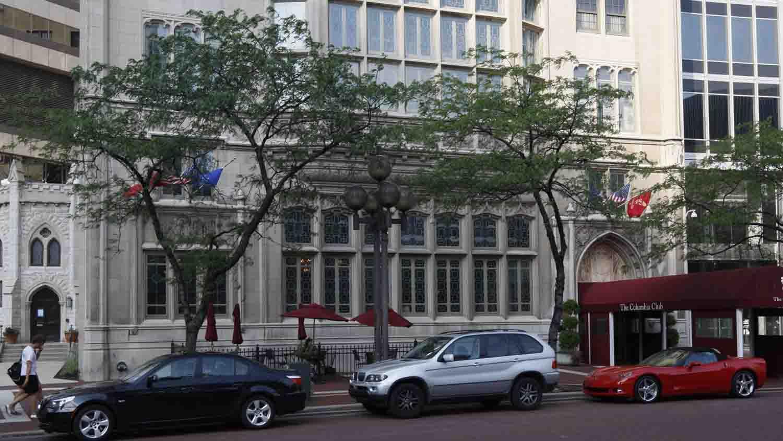 Columbia Club 3