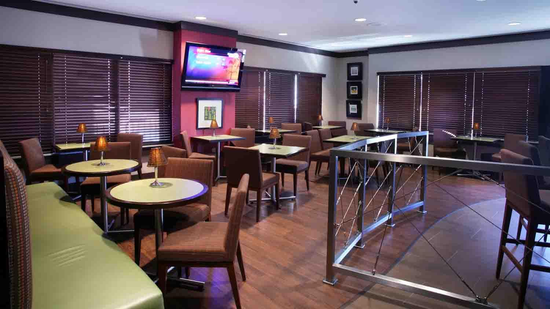 Comfort Suites Indianapolis City Centre 6