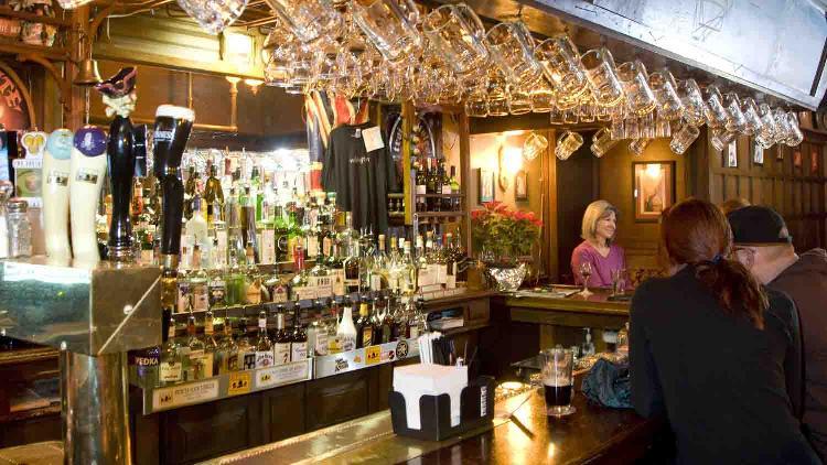 Wellings Sports Bar