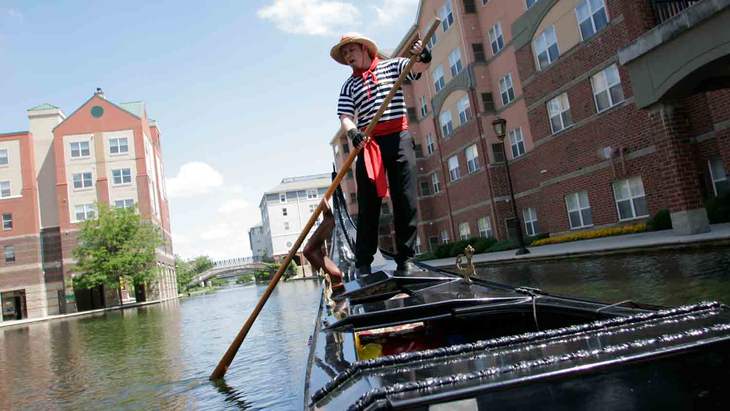 Old World Gondoliers 1