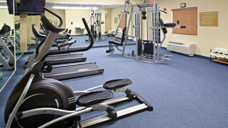 Candlewood Suites Indianapolis East 2