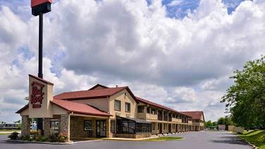 Red Roof Inn - Greenwood