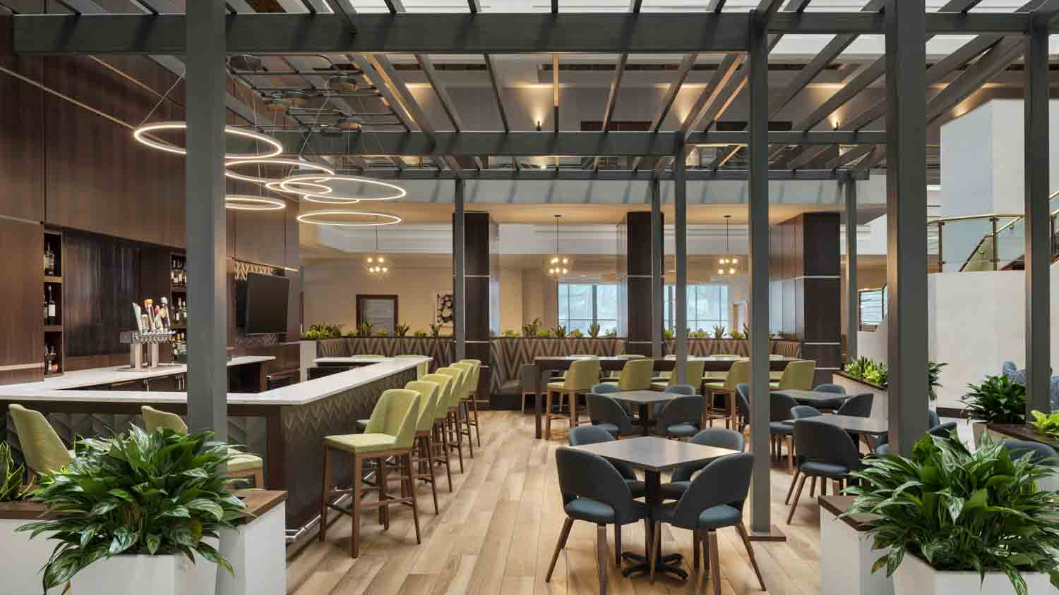 E'Terie Bar & Grill at Embassy Suites Hotel Downtown
