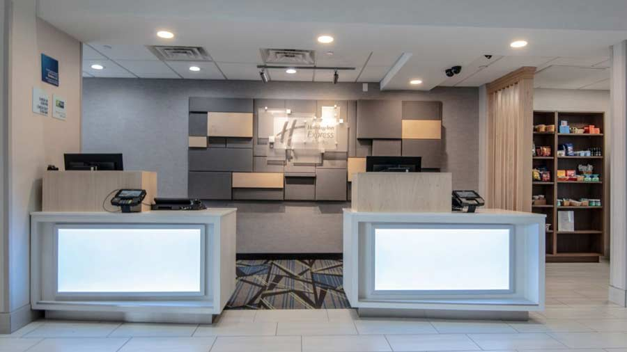 Holiday Inn Express & Suites Indianapolis Northwest 6