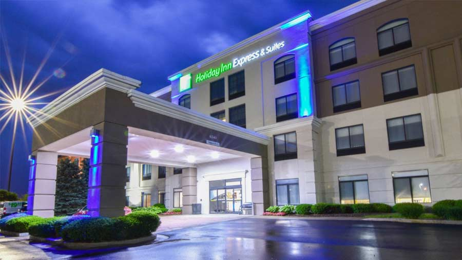 Holiday Inn Express & Suites Indianapolis Northwest 9