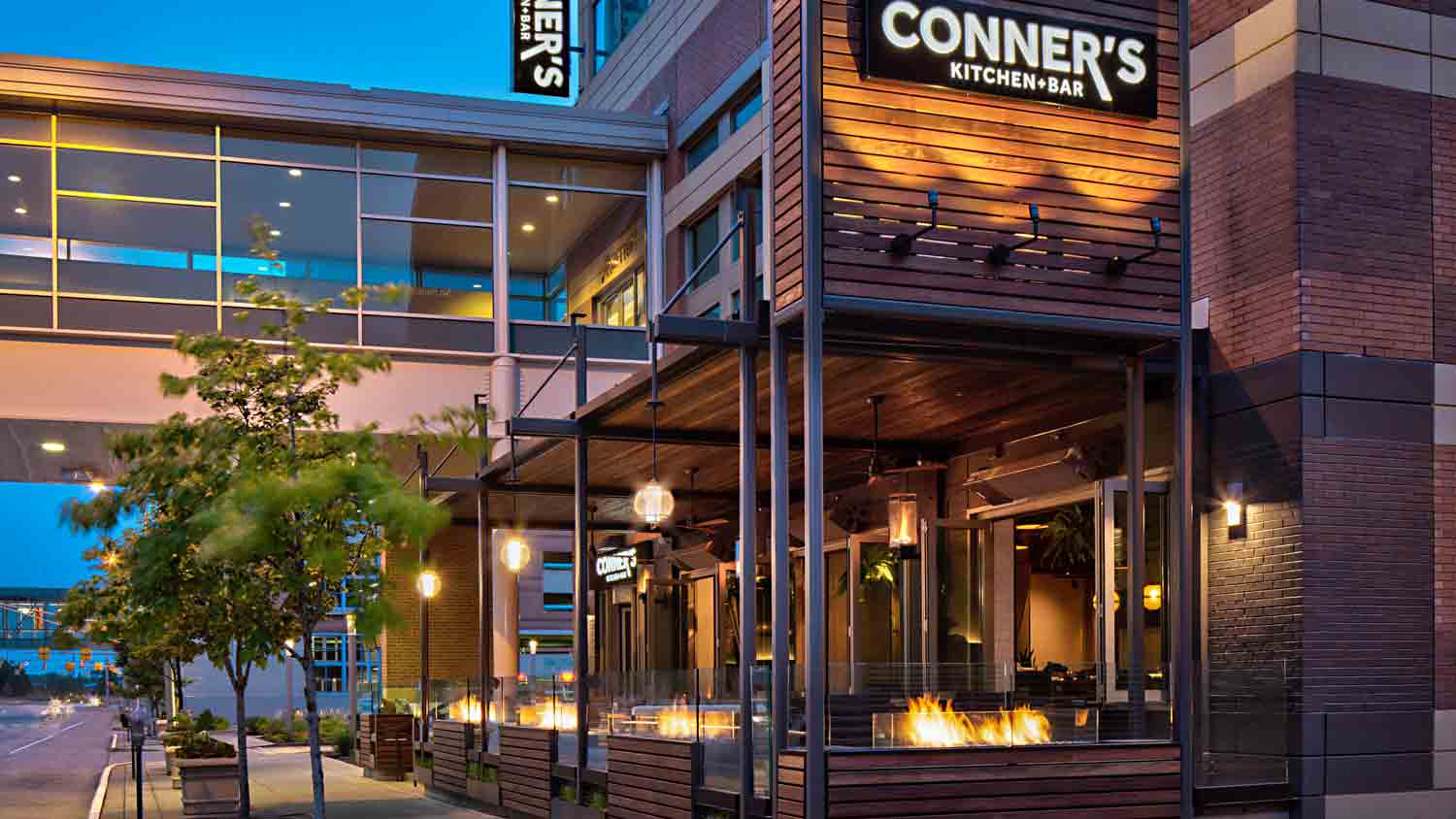 Conner's Kitchen + Bar at Indianapolis Marriott Downtown 6